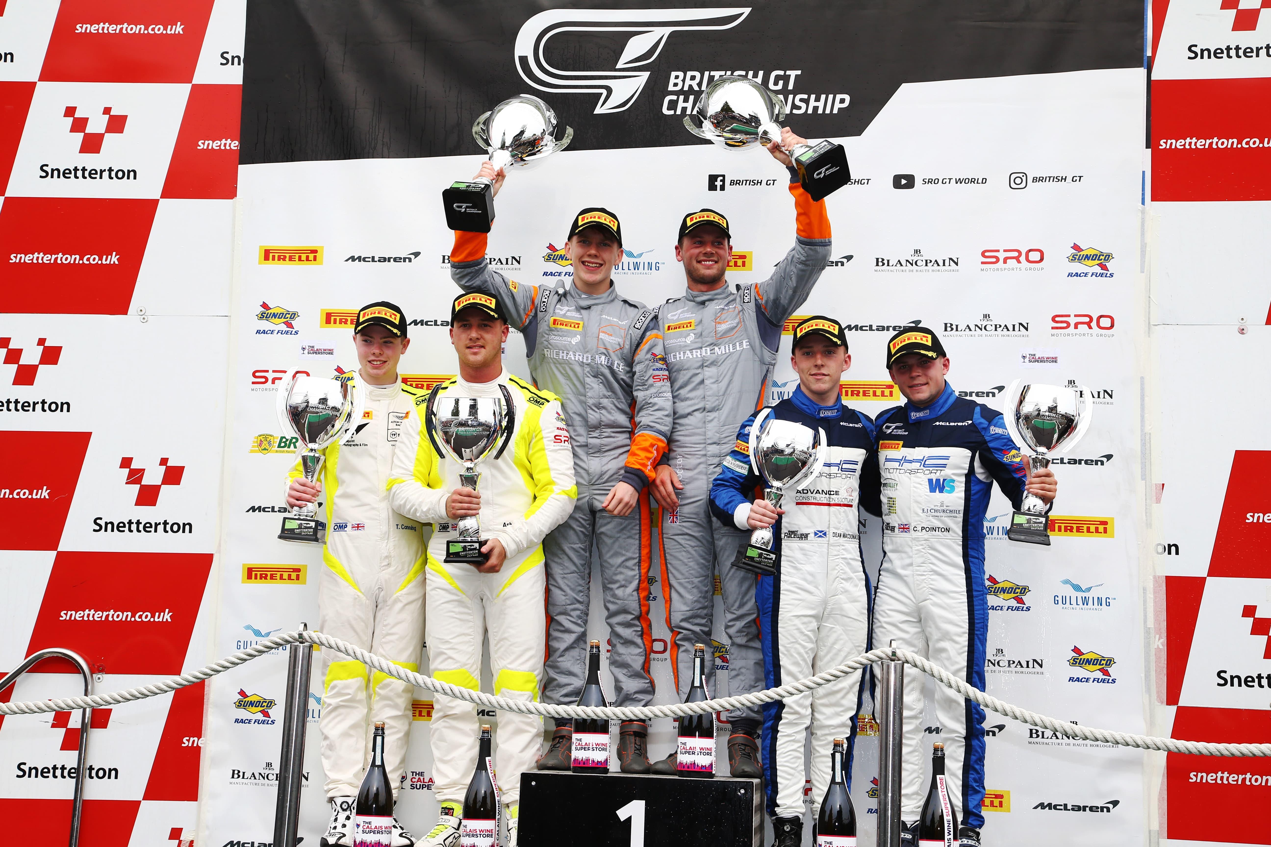 Race2-gt4silver-podium-005-min